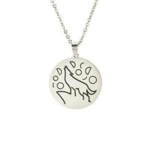minimalist wolf necklace showing a wolf howling at the sky silver color
