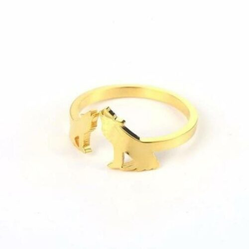 wolf ring 18k gold showing wolf couple